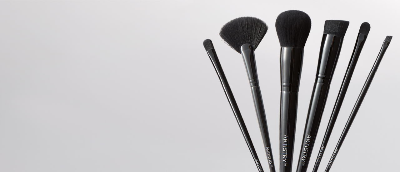P6-piece Artistry Brush Set displayed on gray background.